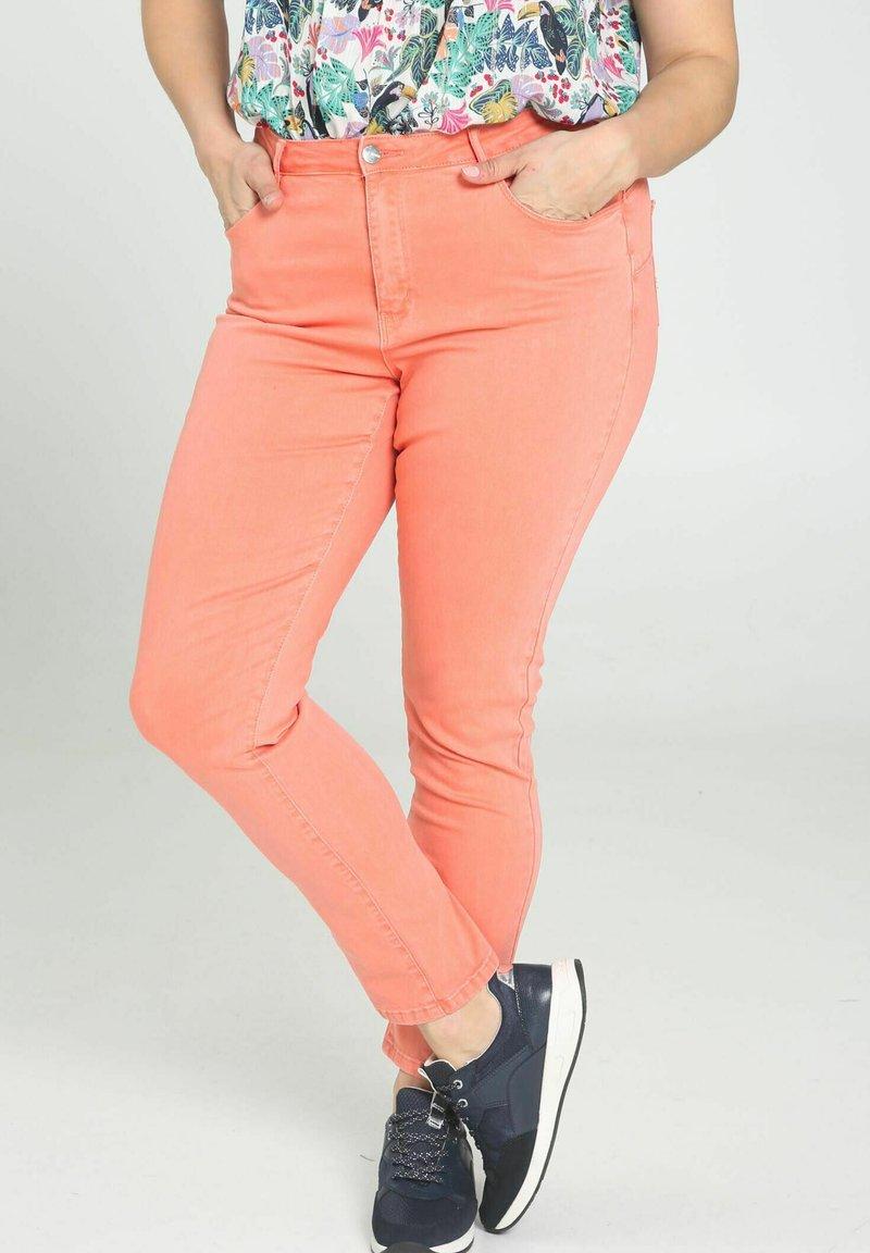Paprika - Trousers - coral
