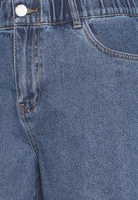 Noisy May - Shorts di jeans - medium blue denim - 2