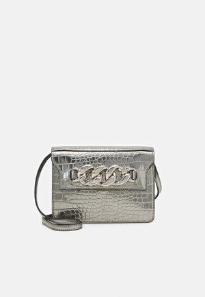 DAFT BAG - Across body bag - silver