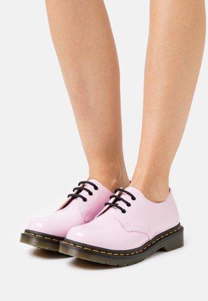 1461 - Lace-ups - pale pink lamper