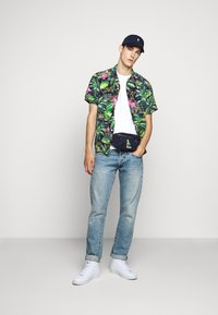 Polo Ralph Lauren - Basic T-shirt - white/ant neon - 1
