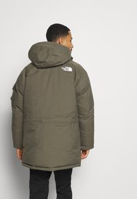 The North Face - RECYCLED MCMURDO UTILITY - Down coat - new taupe green - 3