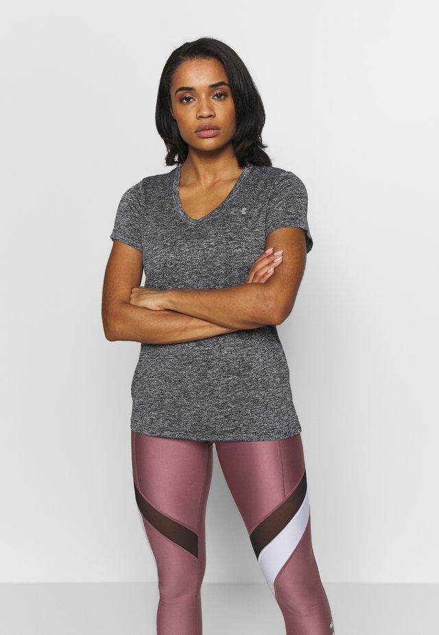 TECH TWIST - T-shirt imprimé - black/metallic silver