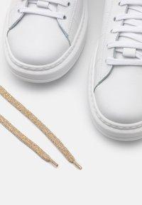Patrizia Pepe - Trainers - white/beige - 4