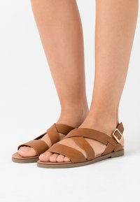 Dorothy Perkins - COMFORT FRANC CROSS OVER  - Sandales - tan - 0