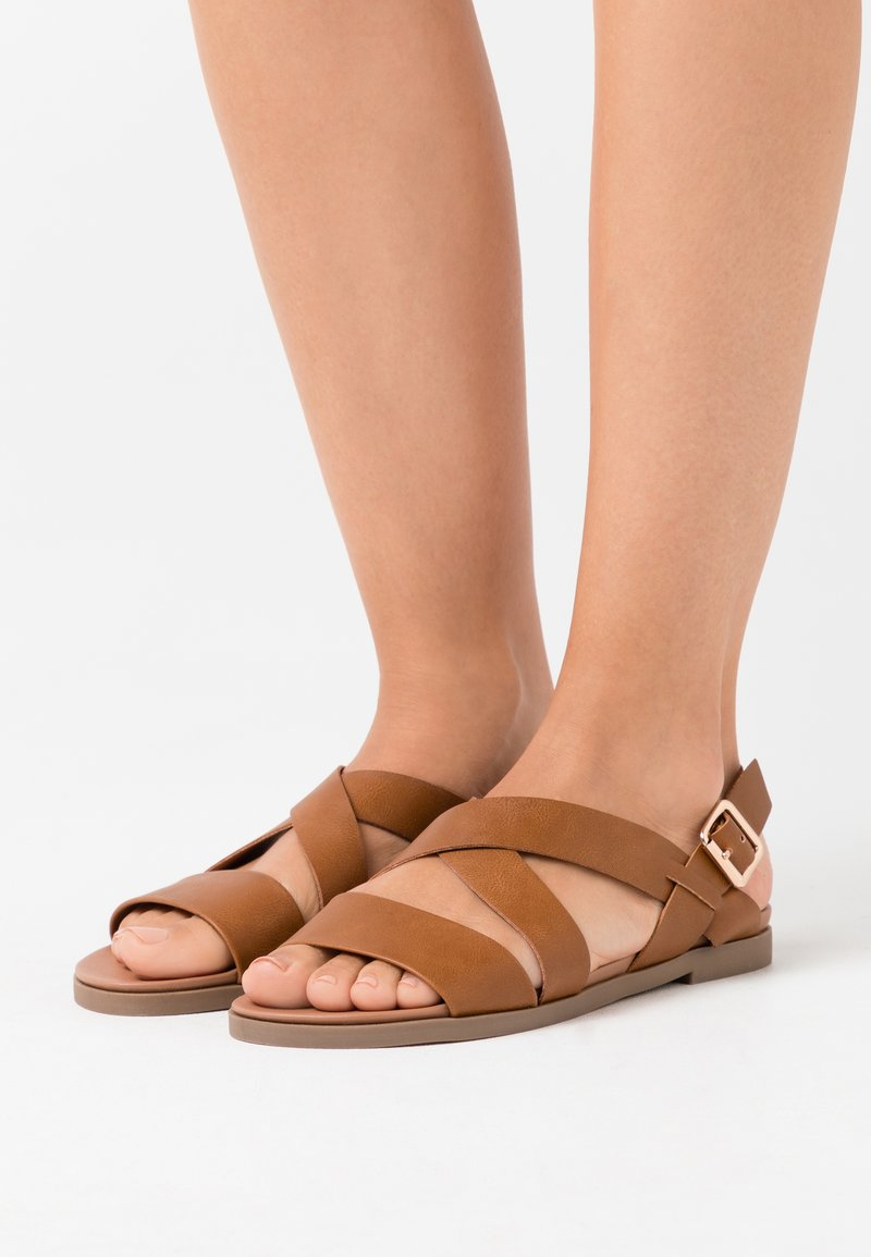 Dorothy Perkins - COMFORT FRANC CROSS OVER  - Sandales - tan