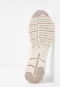 Geox - SUKIE - Zapatillas - white - 6
