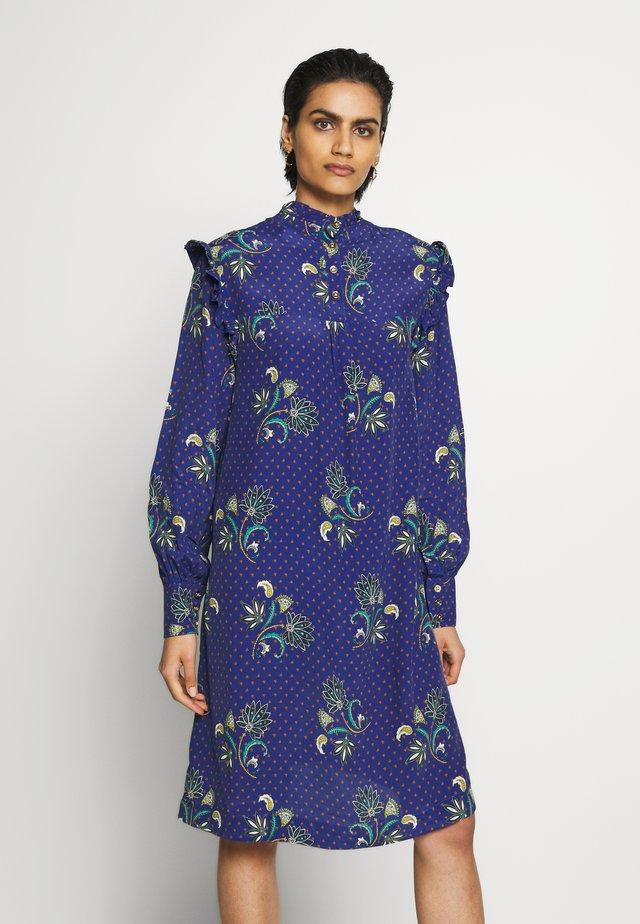 SKY - Day dress - royal paisley