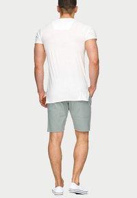 INDICODE JEANS - CARVER - Denim shorts - grey - 2