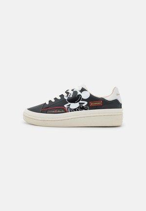 MEGABRAKER MICKEY PRINTED - Sneakers laag - black