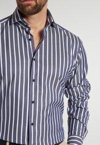 Eterna - MODERN - Formal shirt - marine/weiß - 2