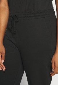 Vero Moda Curve - VMOCTAVIA PANT - Tracksuit bottoms - black - 4