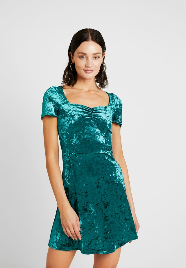 SMALL DRESS - Vardagsklänning - emerald
