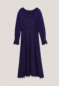Massimo Dutti - MIT ZIERKNÖPFEN  - Jumper dress - dark purple - 4