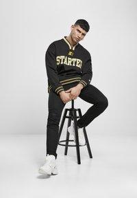 Starter - Collegepaita - black/golden - 4