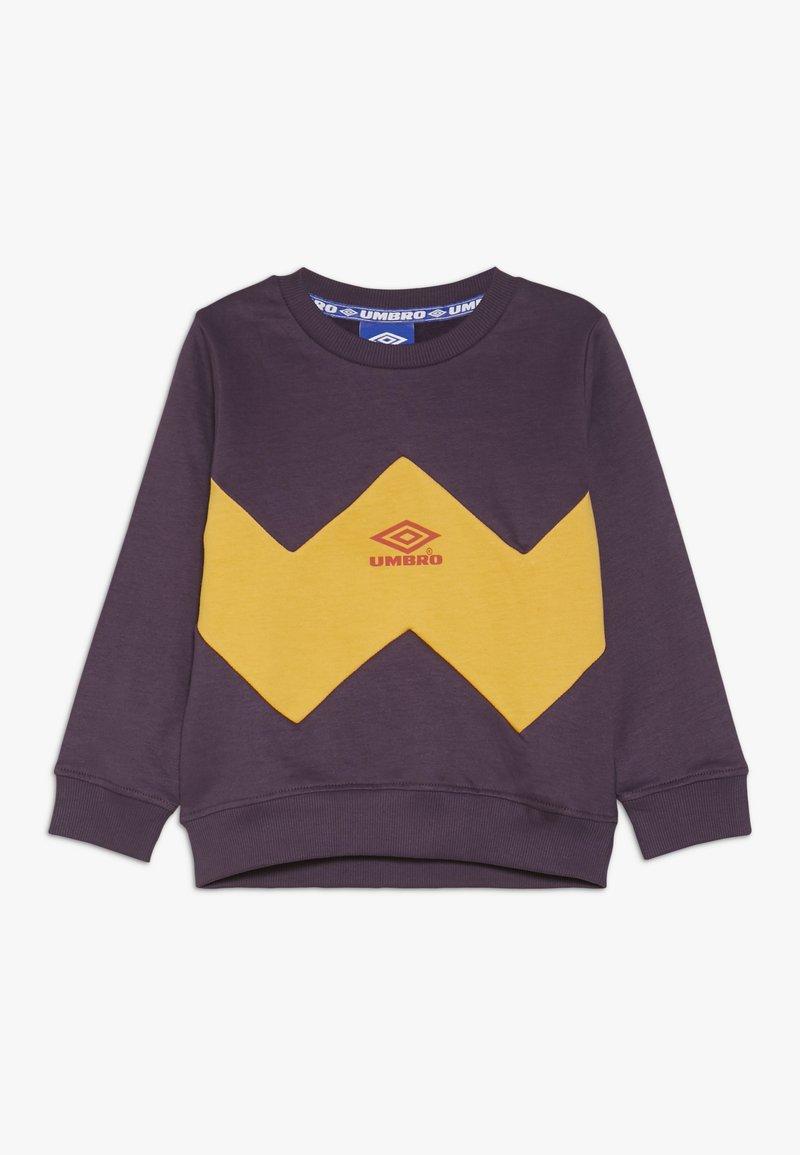 Umbro - RESORT KIDS CREW  - Sweatshirt - cosmos/haze/fig