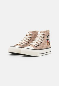 Rubi Shoes by Cotton On - MICKEY BRITT RETRO  - High-top trainers - beige - 2