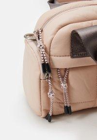 PARFOIS - TOTE BAG FLUFFY S - Tote bag - pink - 2