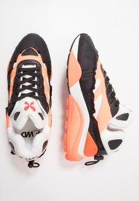 F_WD - Sneakers laag - ventik black/foam white - 1