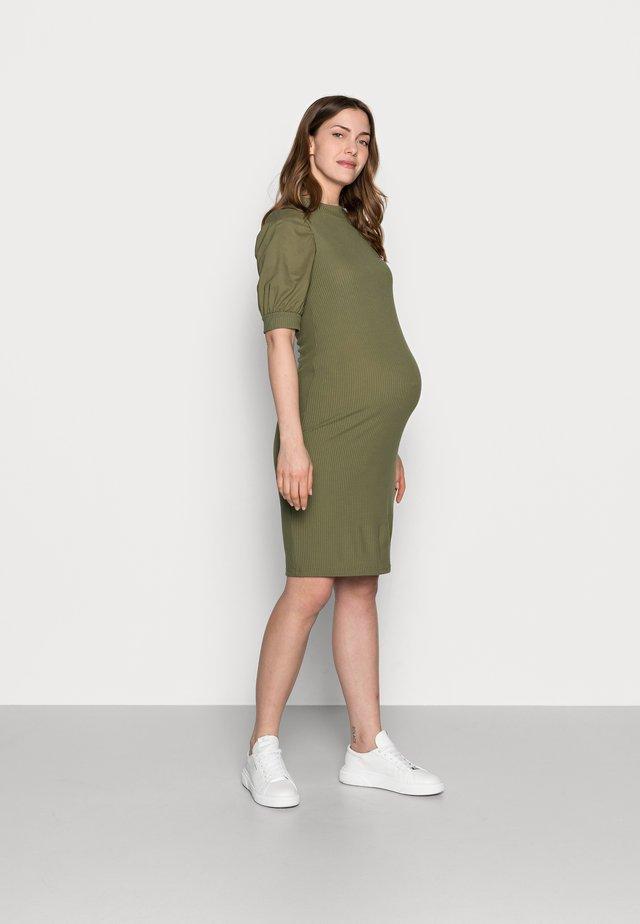 MLFREJA MIX DRESS - Žerzejové šaty - deep lichen green