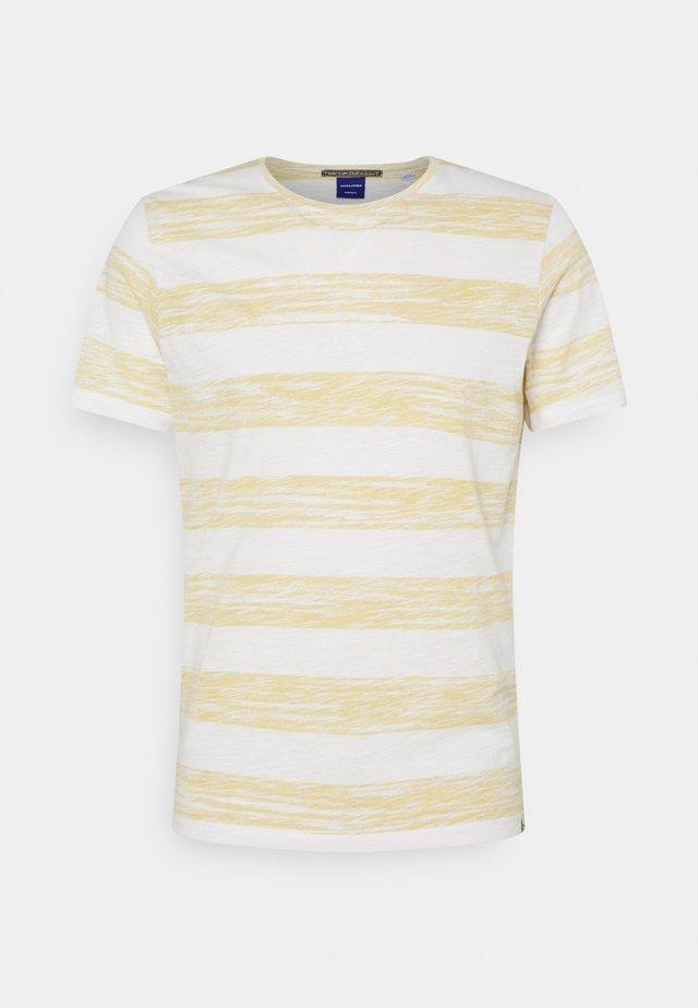 JORSUNNY STRIPE TEE CREW NECK - T-shirt print - sahara sun