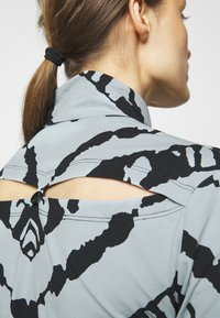 Proenza Schouler White Label - SHEER STRETCH TNECK SLIT - Long sleeved top - steel blue chevron - 4