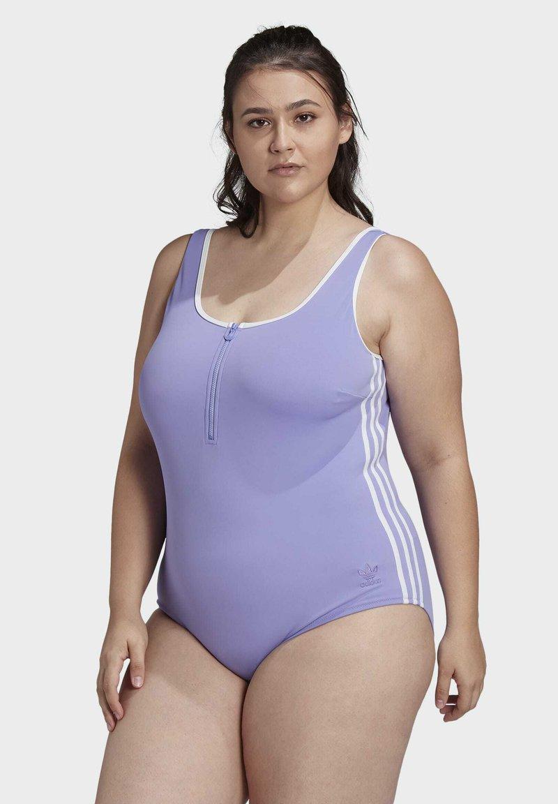 adidas Originals - ADICOLOR CLASSICS PRIMEBLUE BADEANZUG – GROSSE GRÖSSEN - Swimsuit - purple