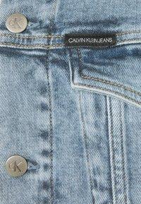 Calvin Klein Jeans - FOUNDATION JACKET - Spijkerjas - denim light - 2