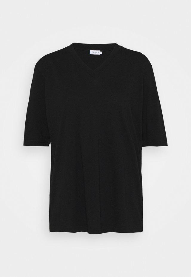 MATILDA V NECK TEE - Basic T-shirt - black