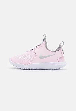 FLEX RUNNER UNISEX - Obuwie do biegania treningowe - pink foam/metallic silver/light smoke grey