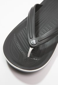 Crocs - CROCBAND FLIP UNISEX - Pool shoes - black - 5