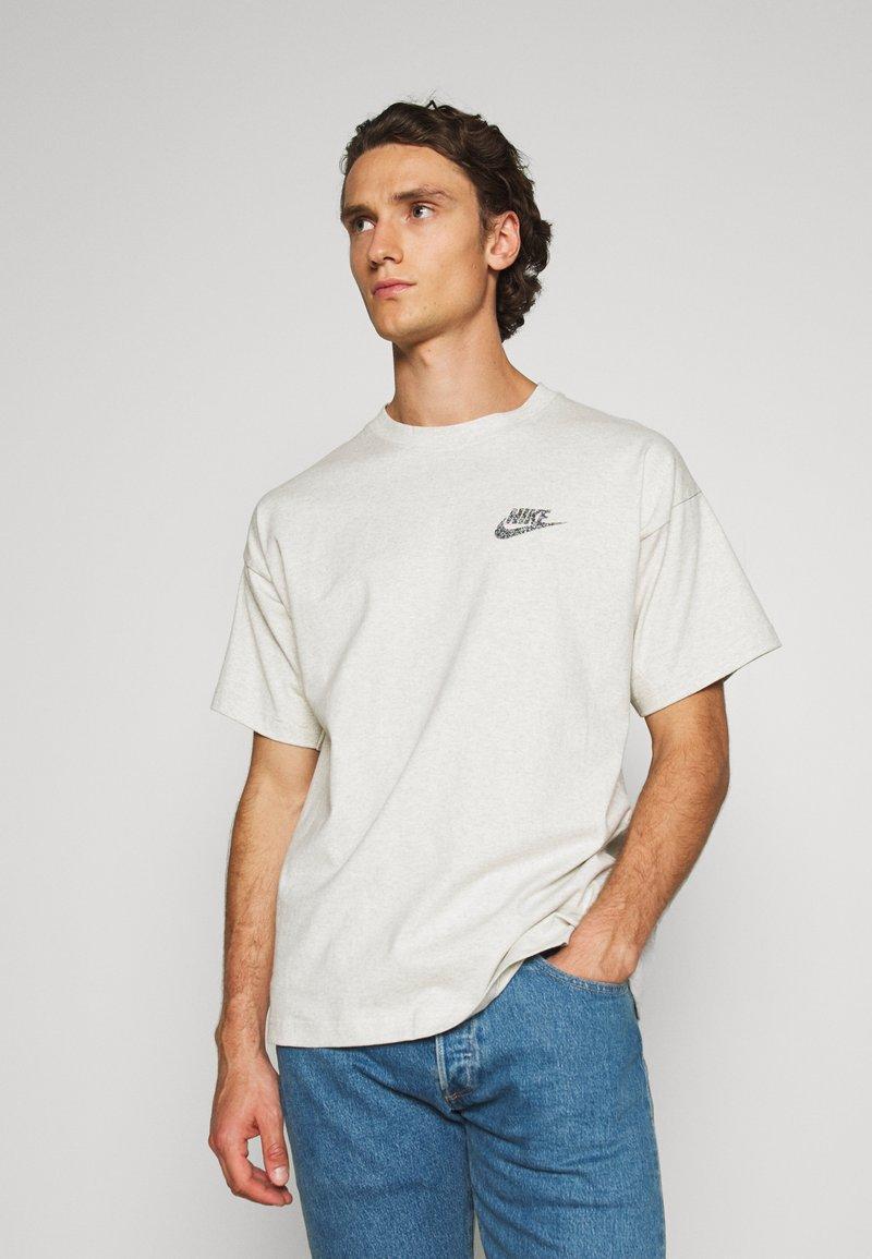 Nike Sportswear - Jednoduché triko - multi-color/white
