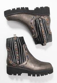 Alma en Pena - Platform ankle boots - pewter - 3
