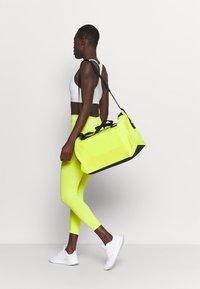 adidas Performance - DUFFEL  - Sportovní taška - acid yellow/black - 0