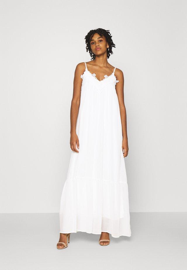 YASLUANN STRAP MAXI DRESS CELEB - Společenské šaty - star white