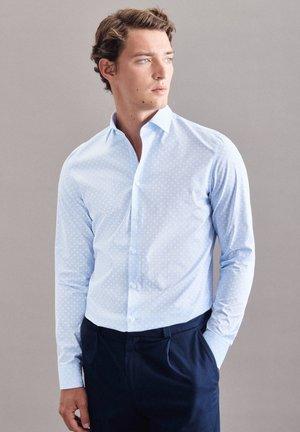 BUSINESS  SHAPED - Formal shirt - blau