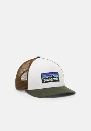 LOGO TRUCKER HAT UNISEX - Cap - white/kelp forest