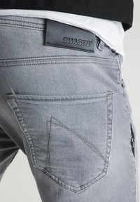 CHASIN' - Straight leg jeans - grey - 3