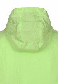 Nike Sportswear - Windbreaker - key lime - 2