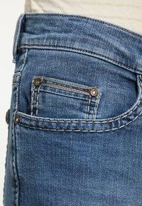 Pioneer Authentic Jeans - RANDO - Straight leg jeans - stone blue denim - 6