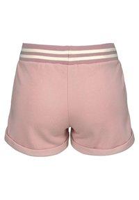 Bench - Shorts - apricot - 1