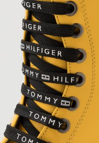 Tommy Hilfiger - Lace-up ankle boots - yellow - 5