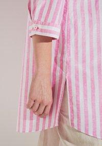 Eterna - MODERN CLASSIC - Button-down blouse - pink/weiss - 2