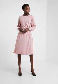 M Missoni - ABITO - Robe en jersey - light pink - 1