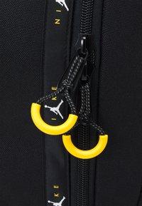 Jordan - JUMPMAN BACKPACK UNISEX - Reppu - black - 4