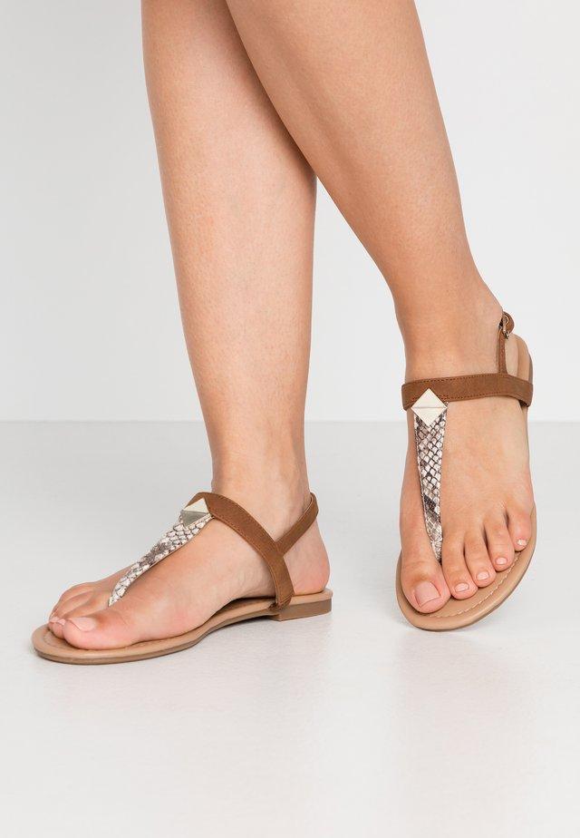 DANINA - Sandály s odděleným palcem - brown/multicolor