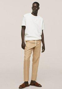 Mango - PUNTO ESTRUCTURA - Stickad tröja - blanco roto - 1