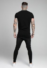 SIKSILK - BOUND LOGO GYM TEE - T-shirt con stampa - black/white - 2