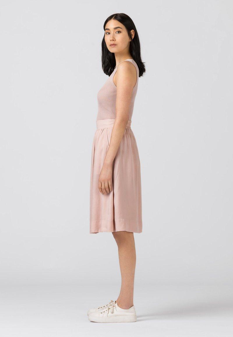 HALLHUBER - Pleated skirt - zartrosa