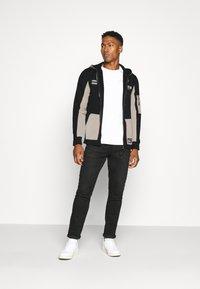 Redefined Rebel - RODNEY SWEAT - veste en sweat zippée - black - 1